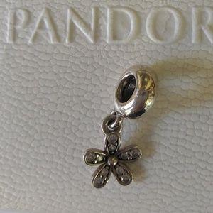 Pandora Dazzling Daisy Charm🌸